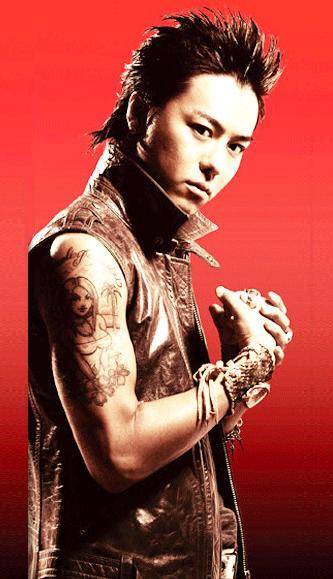 TAKAHIRO右腕タトゥー