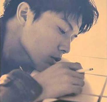 福山雅治タバコ喫煙画像④